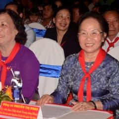 Lễ hội mặt trăng thắp sáng ước mơ thiếu nhi Việt Nam 2014